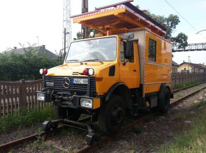 UNIMOG rail lorry